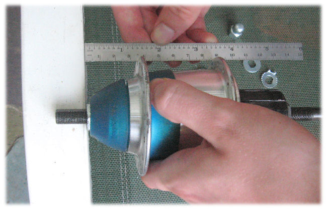 Measuring flange spacing